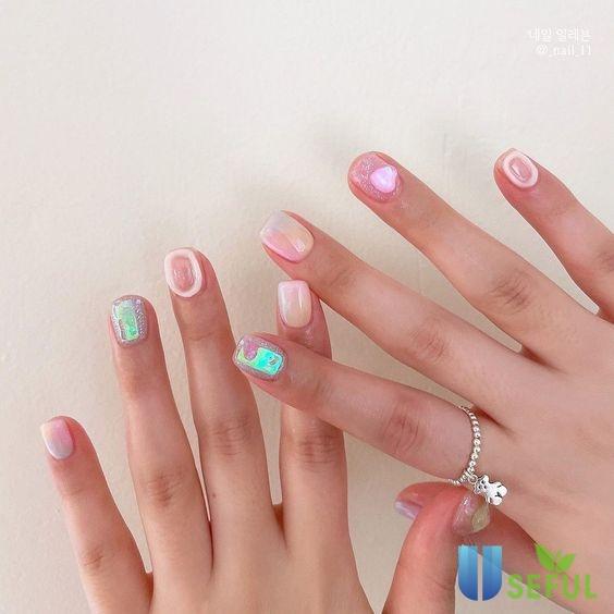 Mẫu nail màu hồng tuổi teen