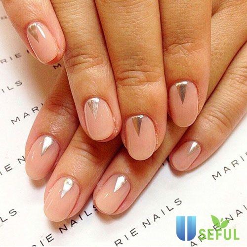 Mẫu nail màu nude đơn giản