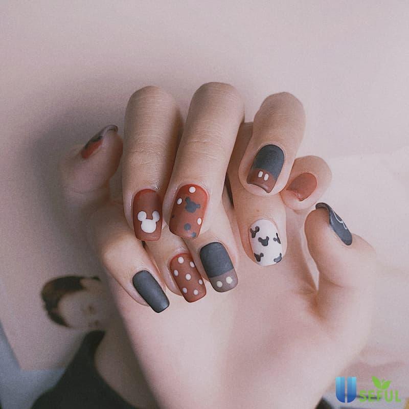 Mẫu nail nhám nhiều màu phá cách