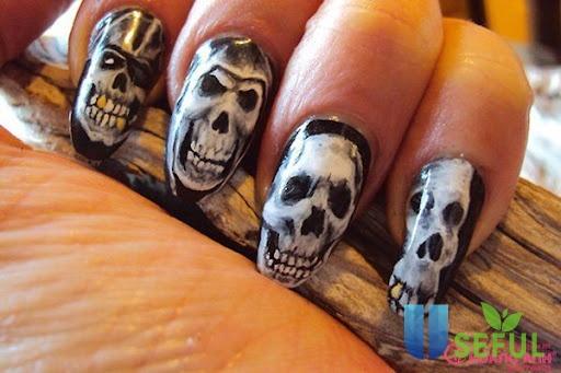 Mẫu nail tay hình bộ xương