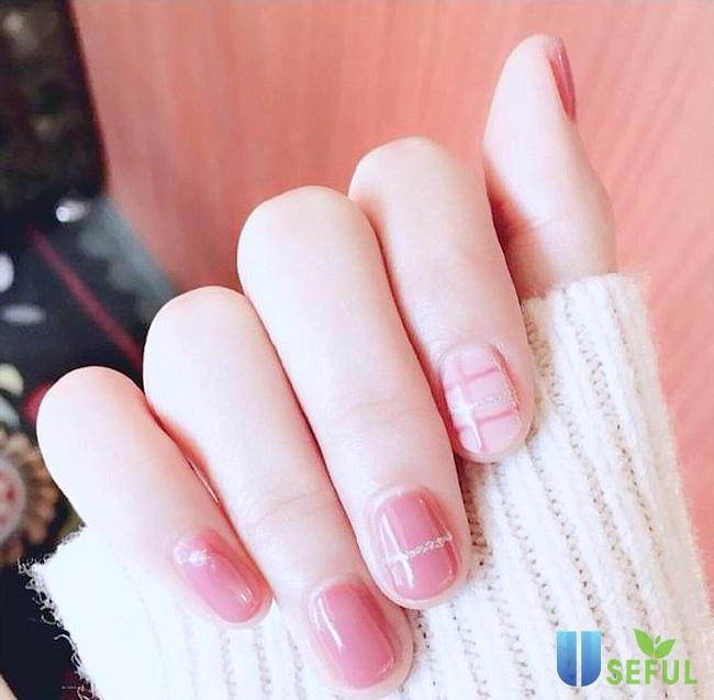 Mẫu nail nhẹ nhàng tone hồng học sinh
