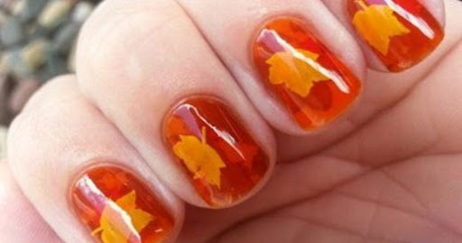 Mẫu nail chiếc lá mùa thu đẹp