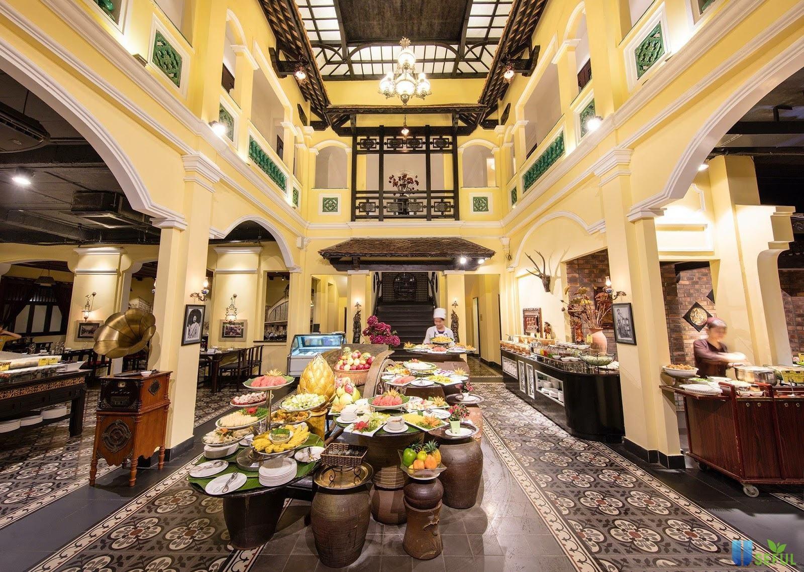 Buffet Sen Tây Hồ nơi đa dạng, phong phú về ẩm thực