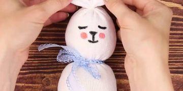 Làm thỏ bông tại nhà với các thao tác đơn giản